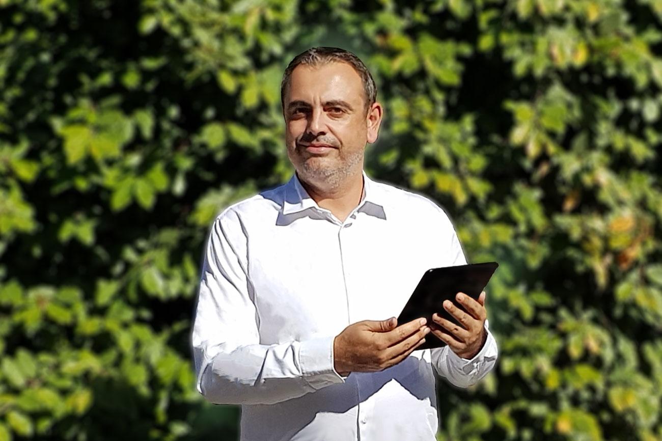 Thierry Poulain webmaster graphiste programmeur
